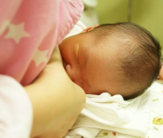 모유수유는 당뇨병이 있는 엄마와 아기 모두 함께 행복하고 건강해지는 과정입니다. [대전산후조리유앤그린한의원]
