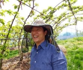 전탕하고 나온 한약재찌꺼기로 유기과수농사를 짓는 과수원에 다녀왔습니다.[대전 유앤그린한의원]